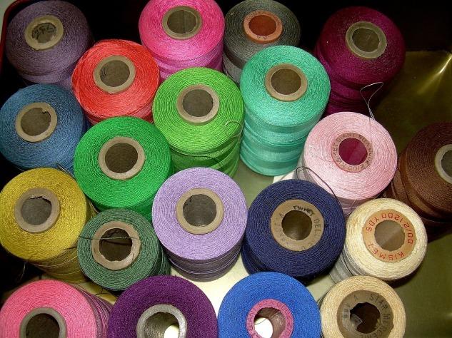 threads-143343_1280